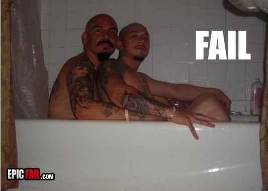 epic-photo-fail-cholo-bathtub_13140115414